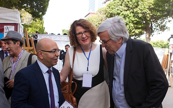 The former National Councillor Andreas Gross and the Swiss ambassador, Rita Adam, with the president of the Tunisian Order of Lawyers, Mohamed Fadhel Mahfoudh.