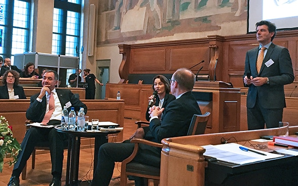 Bern Rathaus, Participants, Annual one-day event held by the Directorate of International Law on asset recovery