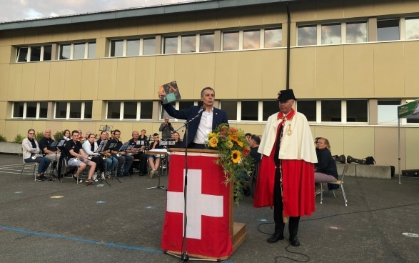 Federal Councillor Ignazio Cassis at his speech in Krauchthal.