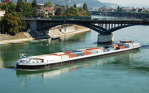 "The ""Graciosa"" container boat on the Rhine"