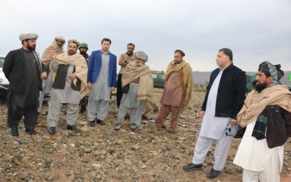 Exchange with District governor & community during site visit in Zazi Maydan district, Khost