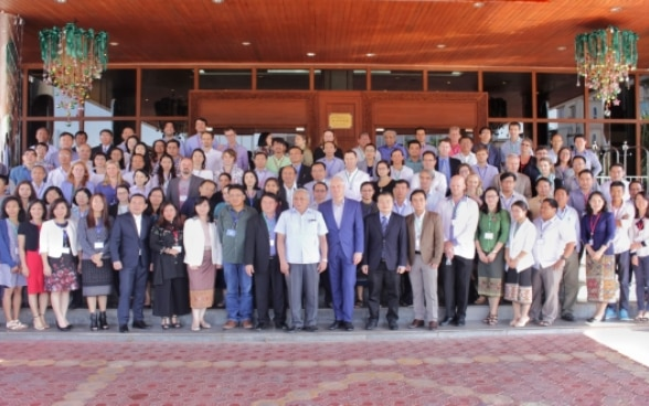 Mr. Tim Enderlin and participants of the Mekong Region Land Governance project conference on Large Scale Agriculture Investment.