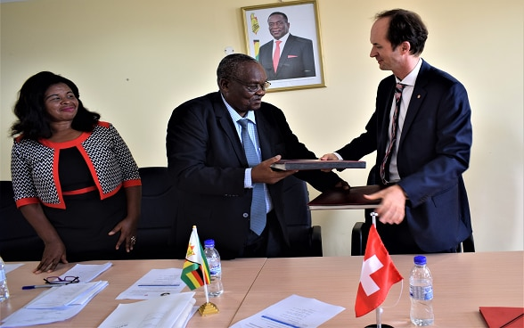 Switzerland Strengthens Cooperation with the NPRC through Material Support